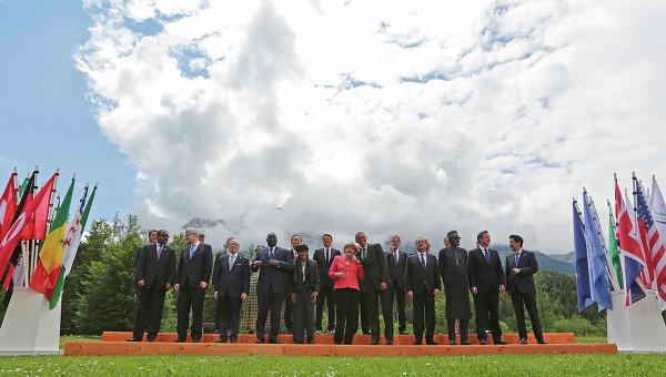 Участники саммита G7 в баварском замке Эльмау на юге Германии