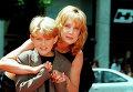 Американская актриса Мэри Эллен Трейнор со своим сыном Алексом