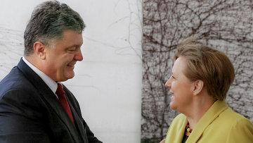 Президент Украины Петр Порошенко и канцлер Федеративной Республики Германия Ангела Меркель. Архивное фото