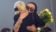 Экс-солистка группы Блестящие, сестра Жанны Фриске Наталья на церемонии прощания с певицей Жанной Фриске