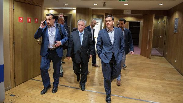 Премьер-министр Греции Алексис Ципрас во время поездки в Брюссель
