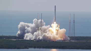 Старт ракеты Falcon 9 с мыса Канаверал, 28 июня 2015