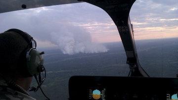 Вид из вертолета на пожар в Киевской области, Украина