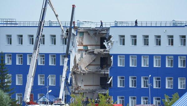 Обрушение здания учебного центра ВДВ в Омской области. Архивное фото