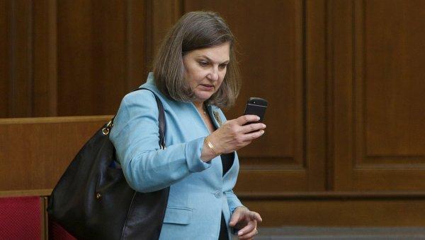 Помощник госсекретаря США Виктория Нуланд на заседании парламента Украины