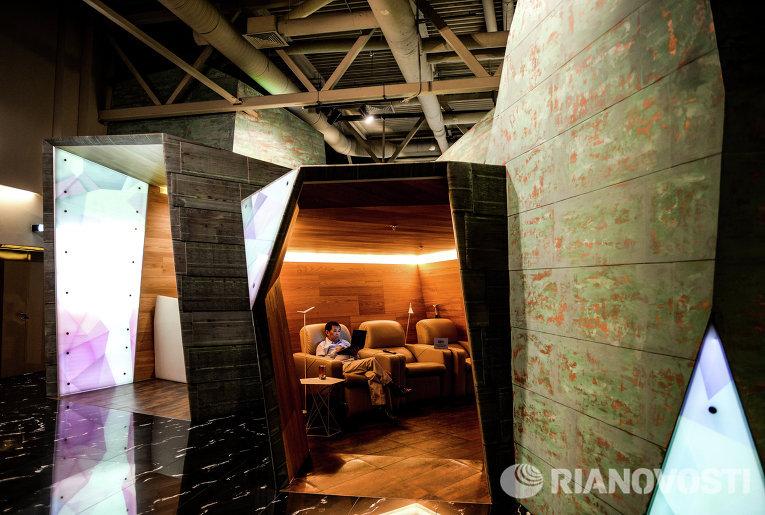 Комната отдыха в аэропорту Кольцово в Екатеринбурге