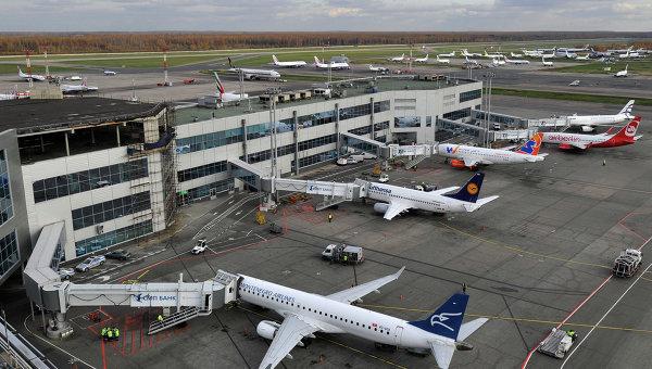 Самолеты на стоянке в аэропорту Домодедово. Архивное фото