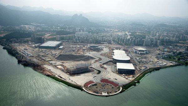 Вид на строящийся Олимпийский парк в Рио-де-Жанейро
