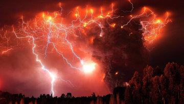 Извержение вулкана Пуеуэ, Чили. 6 июня 2011