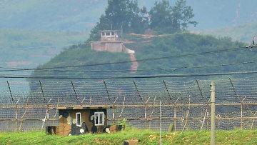 Пограничные посты Северной и Южной Кореи. Архивное фото