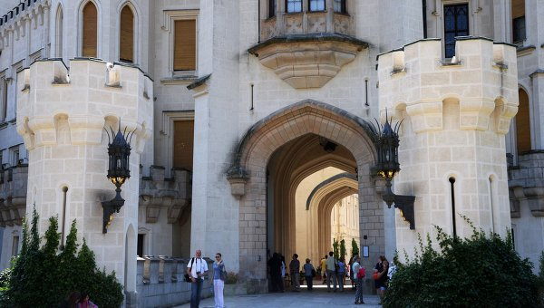 Чехия замок Глубока. Архивное фото