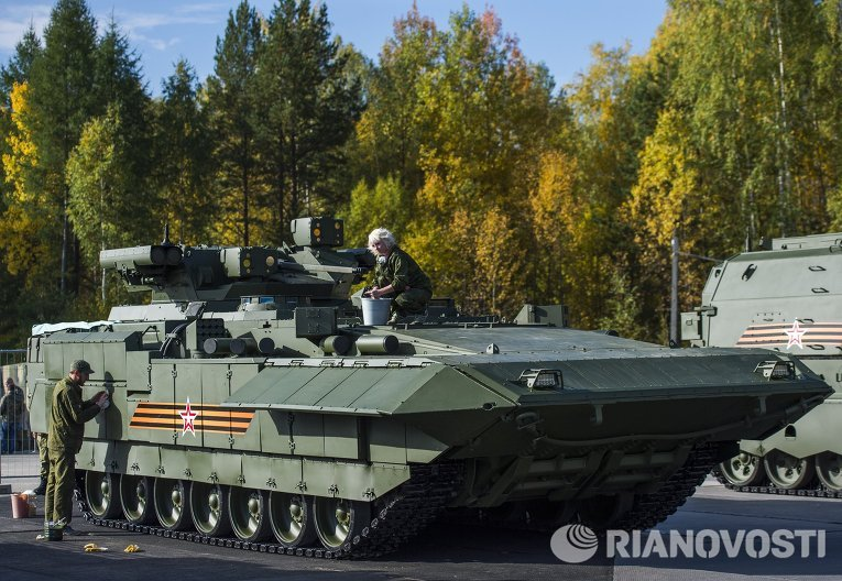 БМП Т-15 Армата на выставке Russia arms expo
