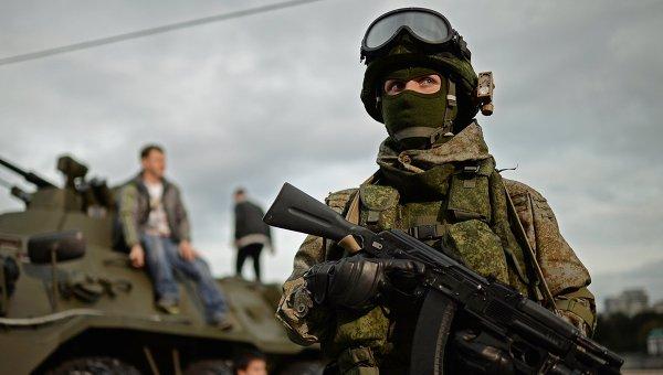 Военнослужащий на фестивале Армия России в Москве. Архивное фото
