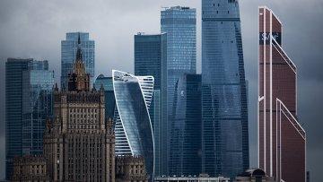 Здание Министерства иностранных дел РФ и Московский международный деловой центр Москва-Сити. Архивное фото