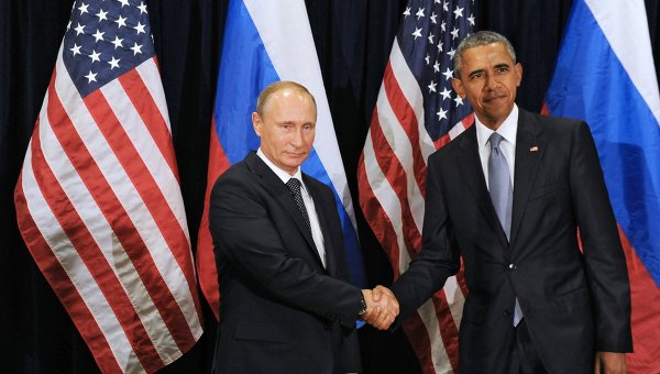 Президент России Владимир Путин и президент США Барак Обама во время встречи в рамках 70-й сессии Генеральной Ассамблеи ООН в Нью-Йорке