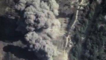 Авиаудар ВКС РФ по позициям Исламского государства в Сирии. Кадр из видео, опубликованного Министерством обороны РФ. Архивное фото