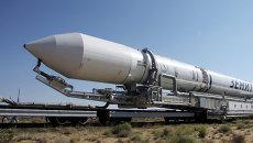 Вывоз ракеты космического назначения Зенит-3М с разгонным блоком Фрегат-СБ. Архивное фото