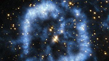 Ученые с помощью космического телескопа Хаббл создали изображение прощальной волны стареющий звезды