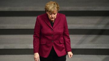 Канцлер Германии Ангела Меркель прибывает на заседание в Бундестаг. Архивное фото