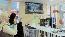 Робот вместо бармена: кафе будущего показали на выставке в Дубае