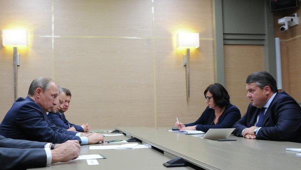 """Вице-канцлер ФРГ: политика не должна вмешиваться в """"Северный поток-2"""" - РИА Новости, 28.10.2015"""