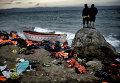 Лодка мигрантов на греческом острове Лесбос