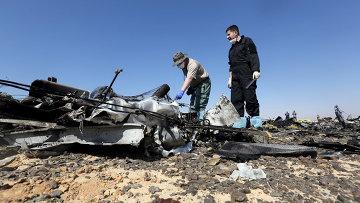 Российские эксперты на месте крушения самолета Airbus A321 авиакомпании Когалымавиа в Египте