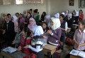 """Сирийские дети хлопали и кричали """"Спасибо!"""" на уроке русского языка в школе"""