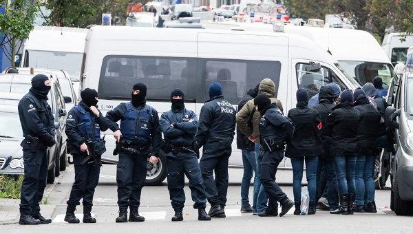Бельгийская полиция проводит спецоперацию в районе Моленбек в Брюсселе. Архивное фото