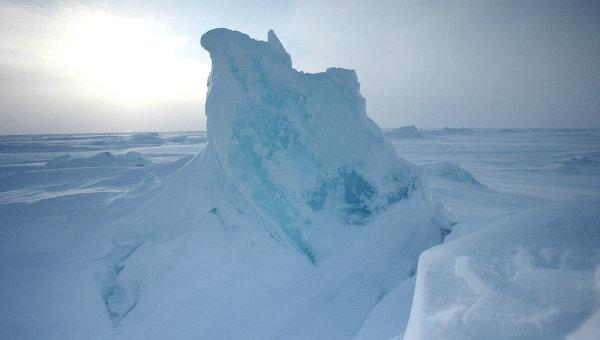Открытие дрейфующей станции Северный полюс-2015. Архивное фото