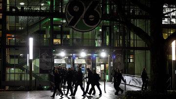 Стадион в Ганновере после отмены футбольного матча Нидерланды - Германия