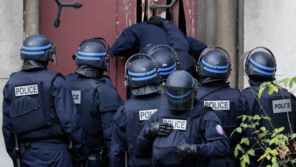 Французские полицейские. Сен-Дени