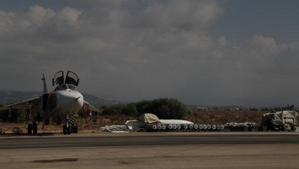 Су-24 на авиабаза Хмеймим (Латакия), Сирия. Архивное фото