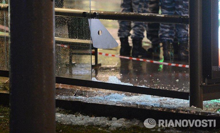 Остановка общественного транспорта на улице Покровка в Москве, где произошел взрыв неизвестного взрывного устройства