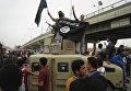 Автомобиль захваченный боевиками ИГ (ДАИШ) у иракской армии в городе Фаллуджа