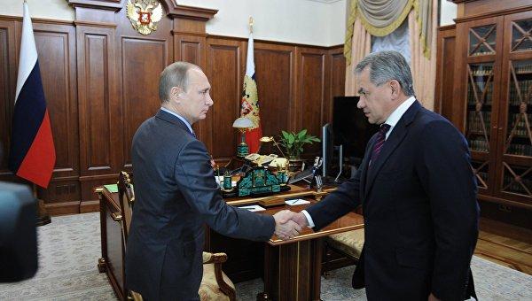 Президент РФ Владимир Путин встретился с министром обороны РФ Сергеем Шойгу. 8 декабря 2015