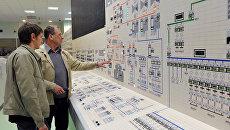 Сотрудники Белоярской атомной электростанции (АЭС) во время процедуры запуска четвертого энергоблока