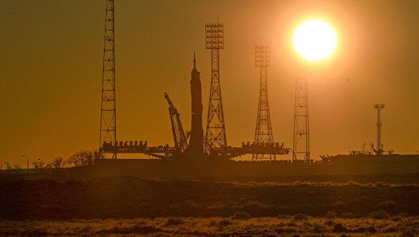 Ракета-носитель Союз-ФГ на стартовой площадки космодрома Байконур. Архивное фото