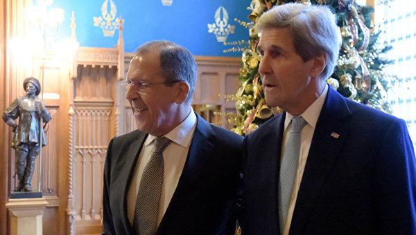 Министр иностранных дел РФ Сергей Лавров и государственный секретарь США Джон Керри во время встречи в Москве