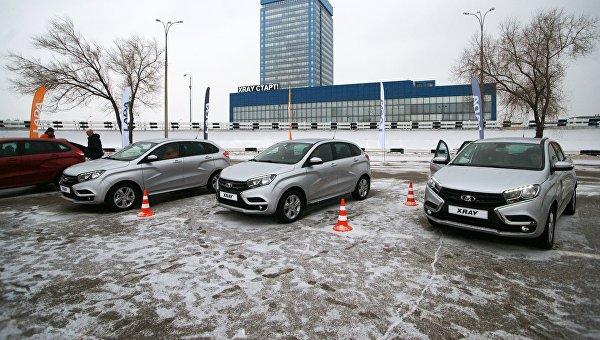 Автомобили модели АвтоВАЗа LADA X-Ray в Самаре. Архивное фото
