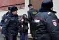 """Судебные приставы выводят президента """"Внешпромбанка"""" Ларису Маркус"""