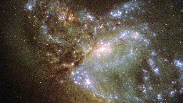 Галактика NGC 6052 в созвездии Геркулеса