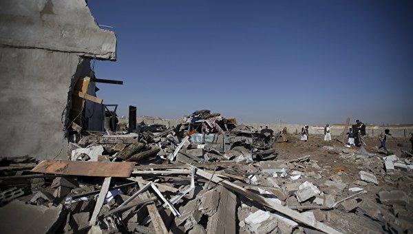 Последствия авиаудара ВВС Саудовской Аравии по столице Йемена Сане, 6 января 2016