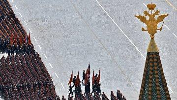 Военнослужащие парадных расчетов во время военного парада в ознаменование 70-летия Победы в Великой Отечественной войне 1941-1945 годов. Архивное фото