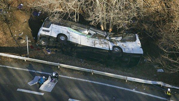 На месте ДТП с участием туристического автобуса в Японии