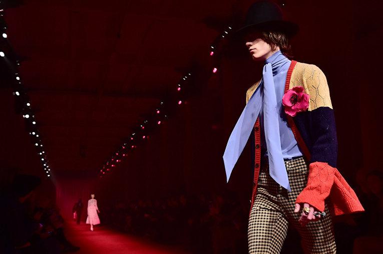 Показ коллекции Gucci во время Недели мужской моды в Милане