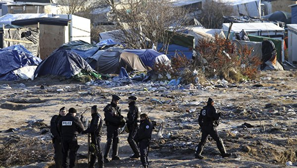 Лагерь мигрантов в городе Кале, Франция. Архивное фото