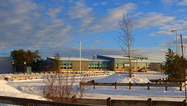 Школа в городе Ла Лош в провинции Саскачеван в Канаде, где произошла стрельба 22 января 2016