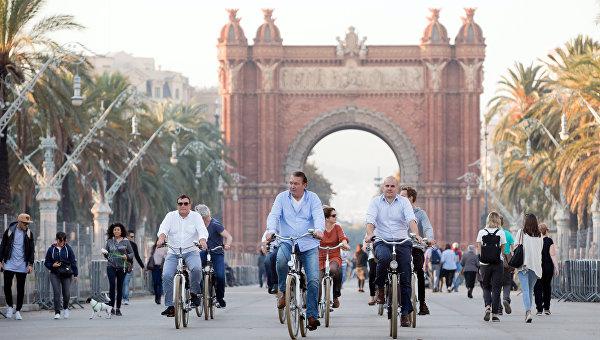 Триумфальная арка на бульваре Passeig de Lluis Companys в Барселоне. Архивное фото