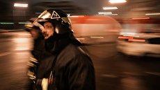 Сотрудники пожарно-спасательных подразделений МЧС, архивное фото